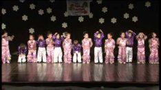 Küçük Adımlar ve Şirinler Sınıfı İngilizce Gösterisi