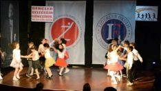 Yıl Sonu İngilizce Dersi Dans Gösterisi