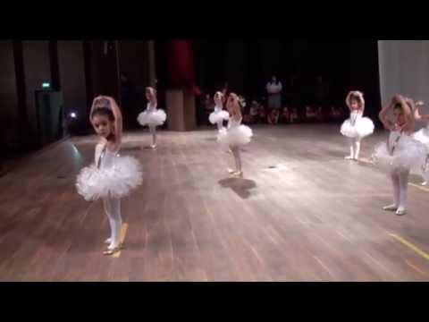 Muhteşem Çocuk Akademisi Bale Gösterisi