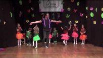 Yaprak Anaokulu Modern Dans Gösterisi