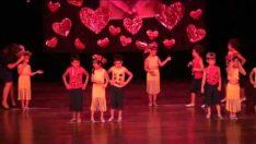 Kaplumbağa Anaokulu Dans Gösterisi
