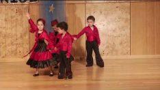 Neşeli Bulutlar Sınıfı Modern Dans Gösterisi