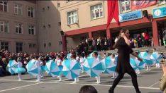 23 Nisan Anasınıfı Şemsiye Gösterisi