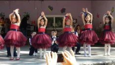 Adrasan Mehmet Akif Ersoy Anaokulu 23 Nisan Dans Gösterisi