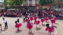 Latife Özmimar İlkokulu 23 Nisan Gösterisi