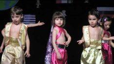 Anaokulu Yıl Sonu Gösterisi Hint Dansı