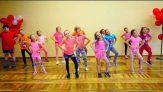 Okul Öncesi Basit Dans Gösterisi