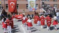 23 Nisan Gösterisi Bayrak Marşı