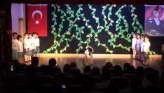 Anaokulu Tiyatro Gösterisi